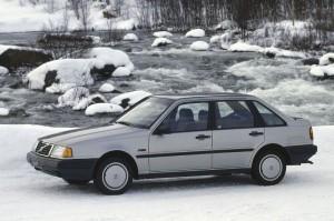 Volvo 440 - 1990