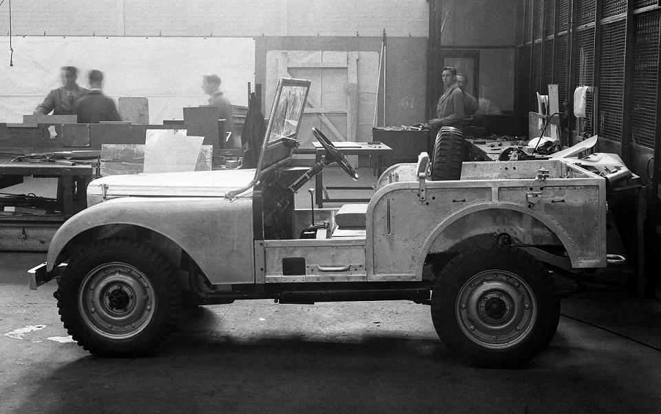 Primul prototip Land Rover