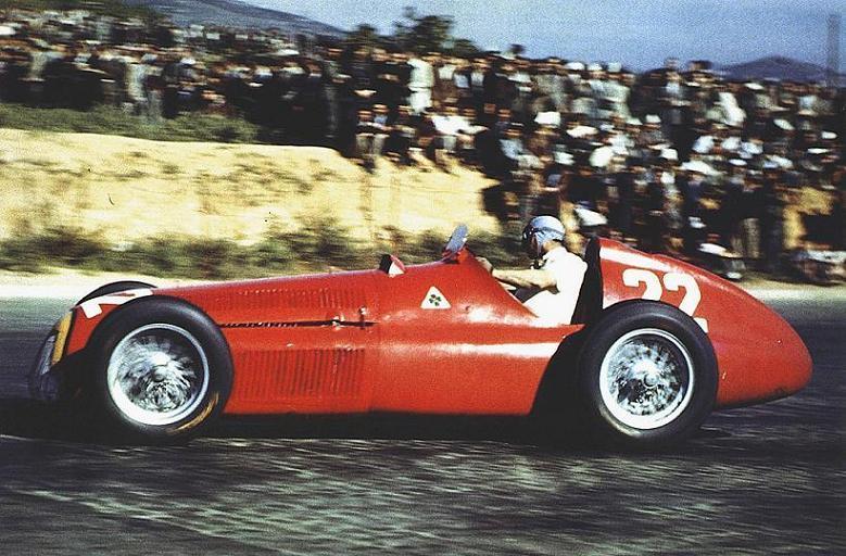 Juan Manuel Fangio campion mondial in 1951 cu Alfa Romeo 159
