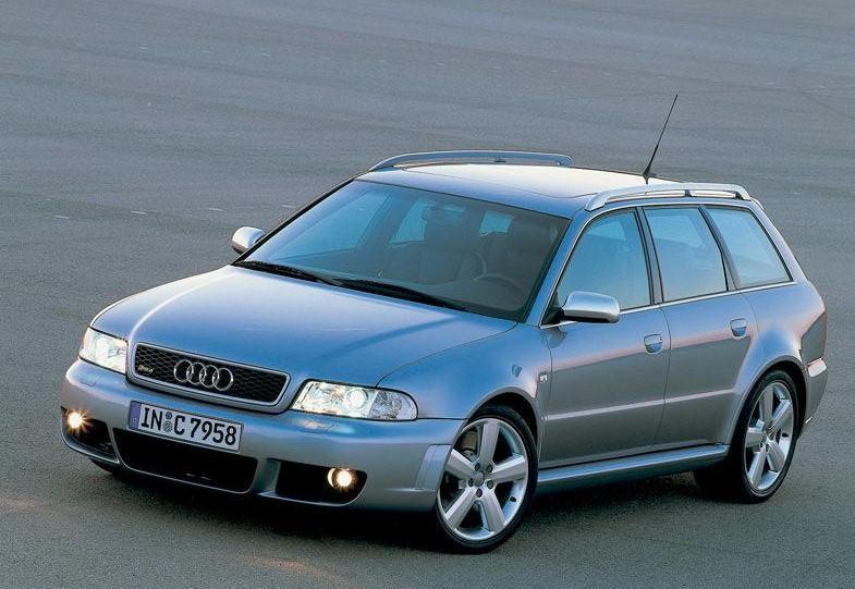 Audi RS4 2000