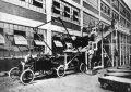 asamblarea-caroseriei-la-ford-t-in-primii-ani-de-productie